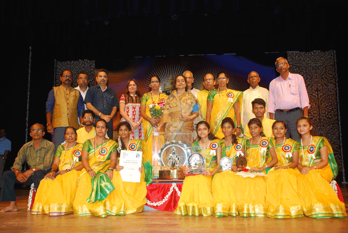 1st Prize winner- Ladies Category - Shree Bhavikadevi Mahila Bhajani Mandal, Diwadi