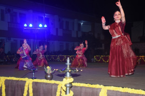 Kathak Group Choreography by Malti Shyam & Group